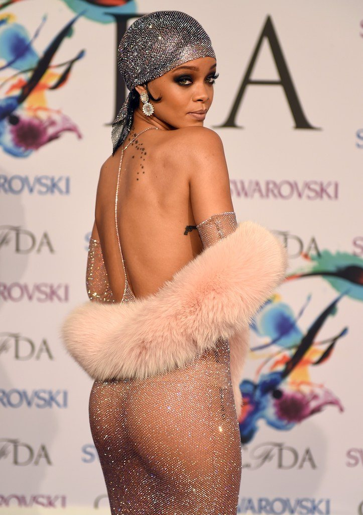 CFDA Awards 2014 - Rihanna attends the 2014 Council of Designer of America Awards (CFDA)at Alice Tully Hall, Lincoln Center June 2, 2014 in New York City. AFP PHOTO / Timothy A. CLARY (Photo credit should read TIMOTHY A. CLARY/AFP/Getty Images)