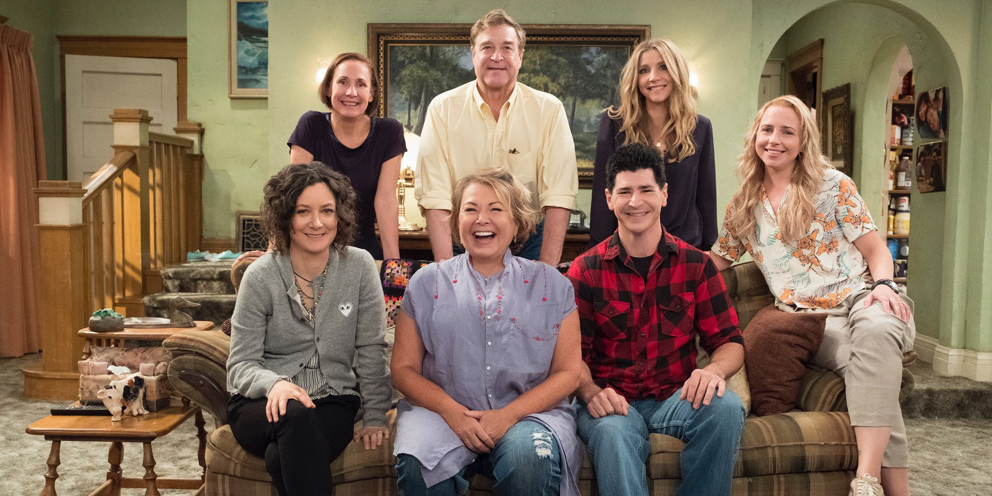 Roseanne revival cast photo