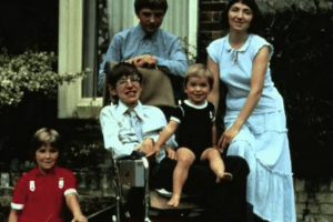 The Secrets Behind Stephen Hawking's Children, Including the 1 Everyone Thought Wasn't His