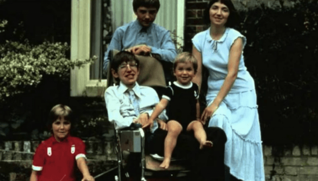 Stephen Hawking and his children in a photo.