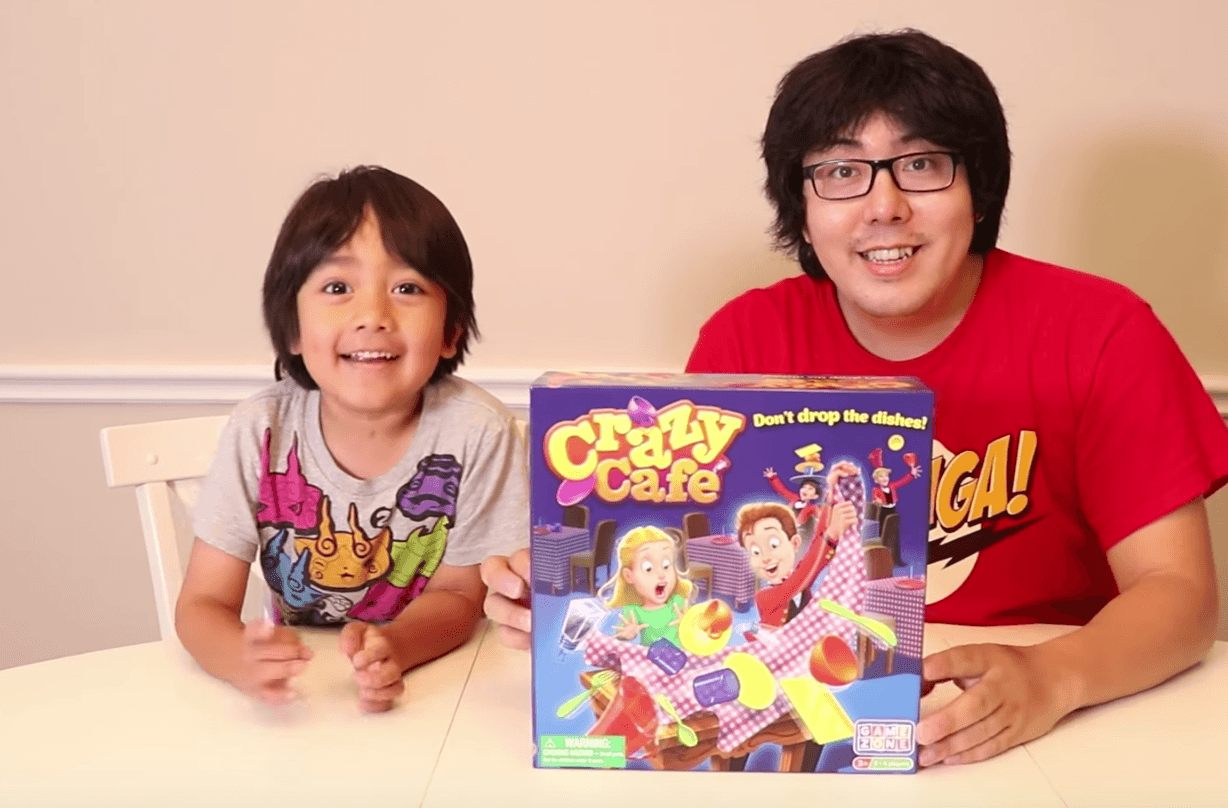 Unboxing crazy cafe game