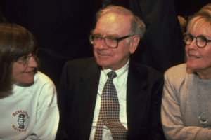 Dark Secrets Behind Warren Buffet's Odd Relationship With His Wife and His Ex