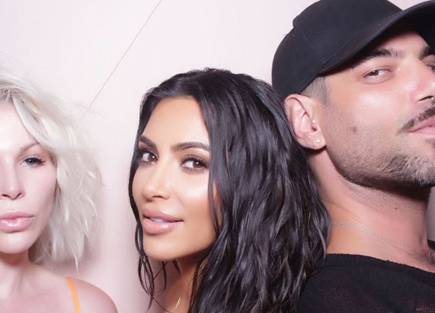 Kim Kardashian West with beauty bloggers
