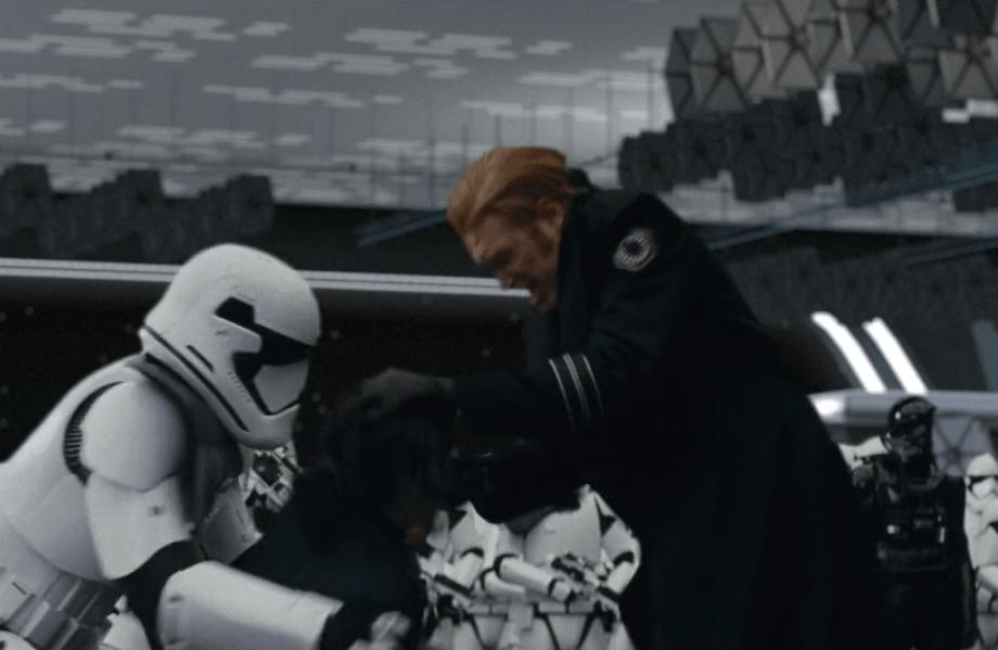 Rose bites General Hux