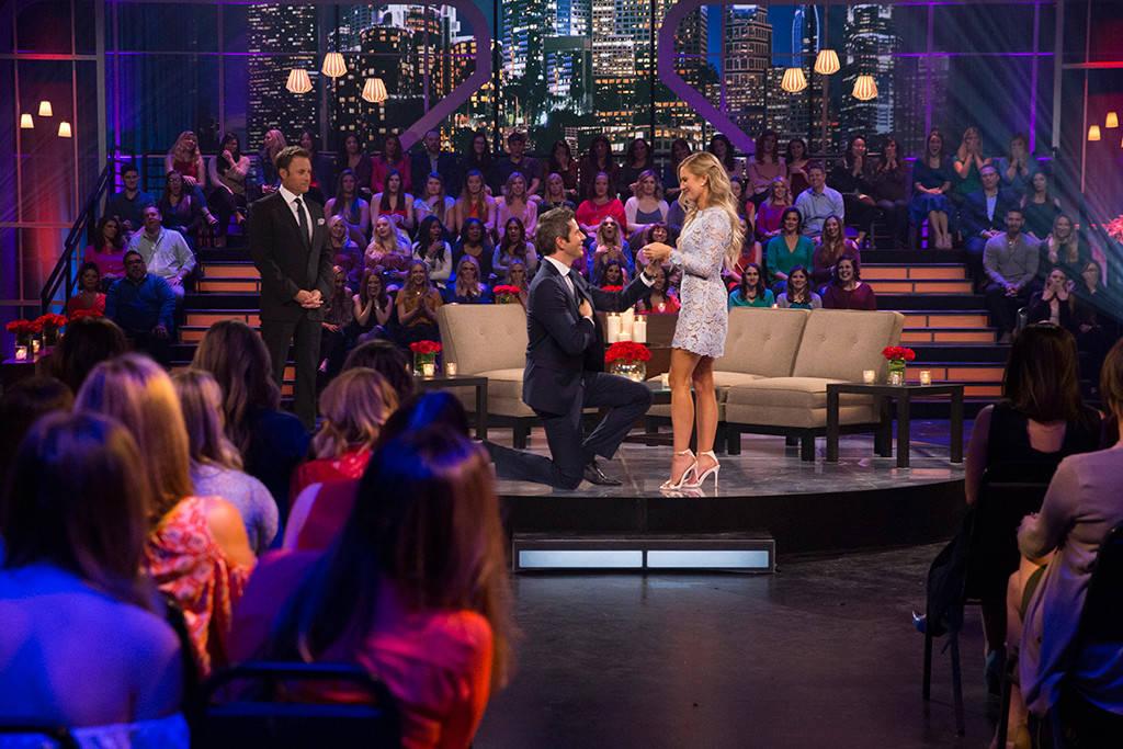 Arie proposes to Lauren