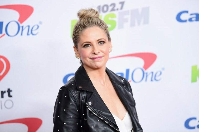Sarah Michelle Gellar poses in the press room during 102.7 KIIS FM's Jingle Ball 2017 presented by Capital One at The Forum on December 1, 2017 in Inglewood, California.