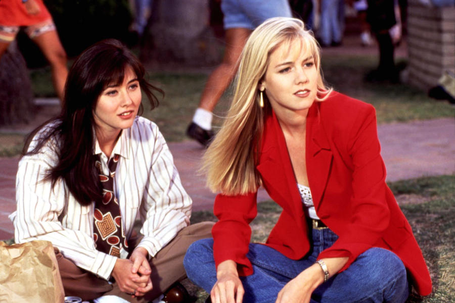 Shannen Doherty and Jennie Garth on Beverly Hills, 90210