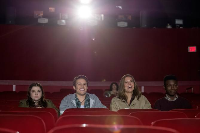 """THIS IS US -- """"A Father's Advice"""" Episode 201 -- Pictured: (l-r) Hannah Zeile as Kate age 15, Logan Shroyer as Kevin age 15, Mandy Moore as Rebecca, Niles Fitch as Randall age 15 -- (Photo by: Ron Batzdorff/NBC)"""