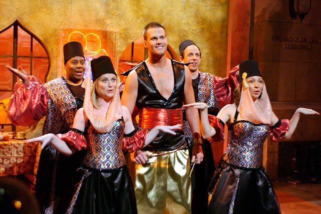Kenan Thompson, Amy Poehler, Tom Brady, Seth Meyers, and Maya Rudolph on Saturday Night Live