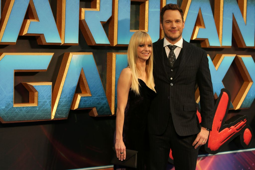 """US actress Anna Faris and US actor Chris Pratt pose for a photograph upon arrival at the European Gala screening of """"Guardians of the Galaxy Vol. 2"""" in London"""