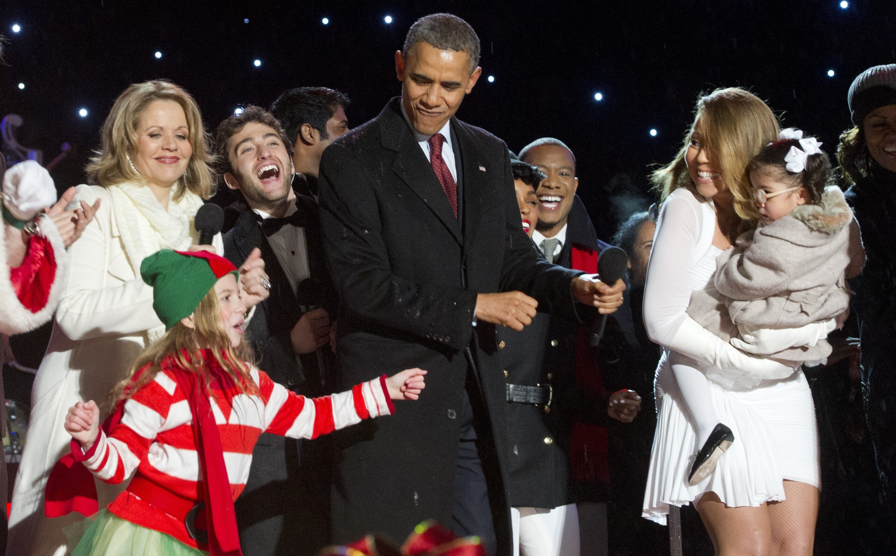 Barack Obama and Mariah Carrey Christmas performance