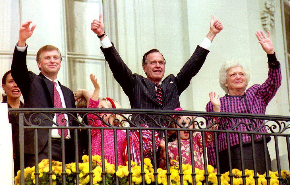 U.S. President George H.W. Bush (C), First Lady Barbara