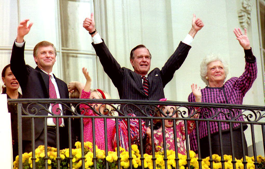 U.S. President George H.W. Bush (C), First Lady Barbara