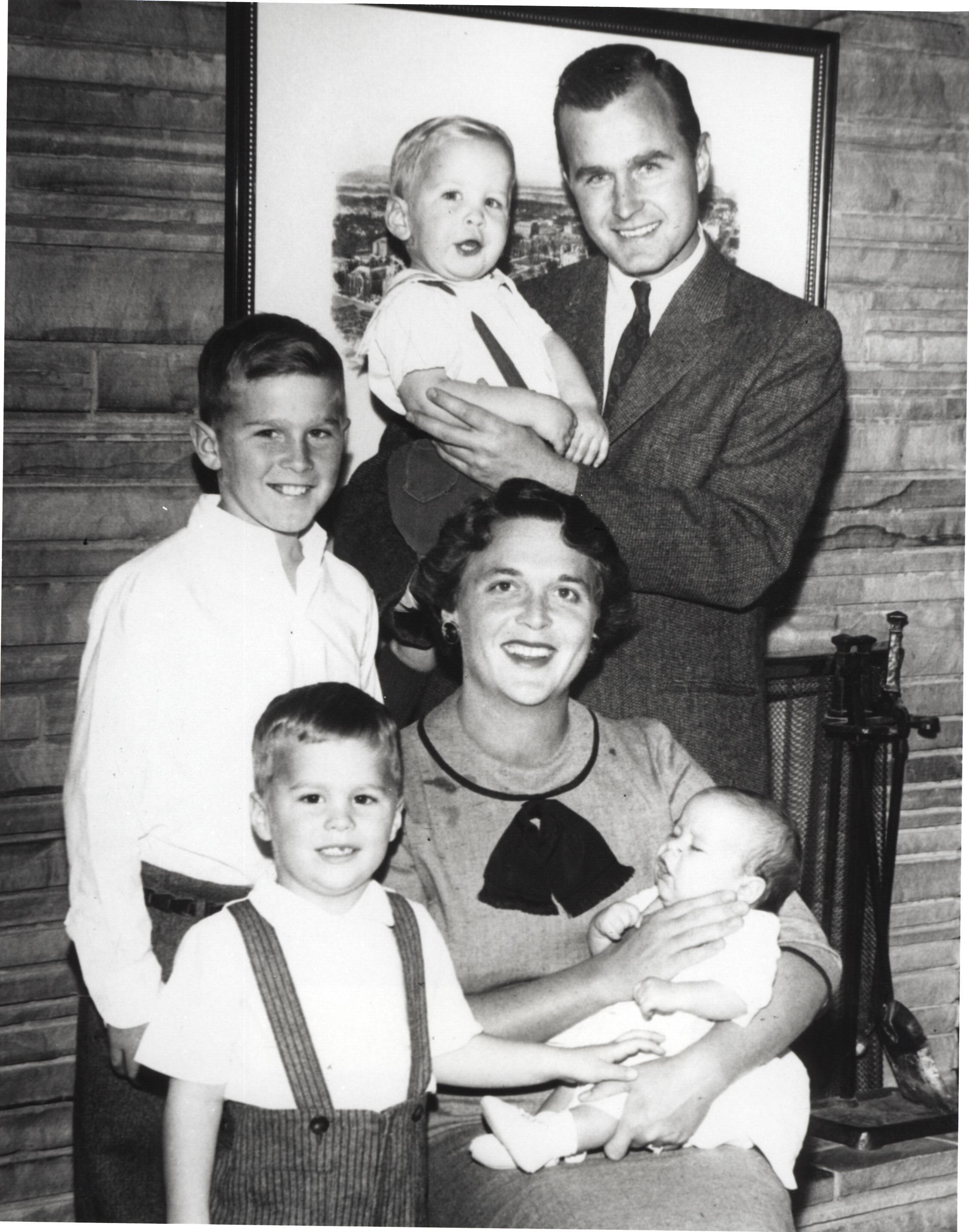 George H.W. Bush, Barbara bush, and their family