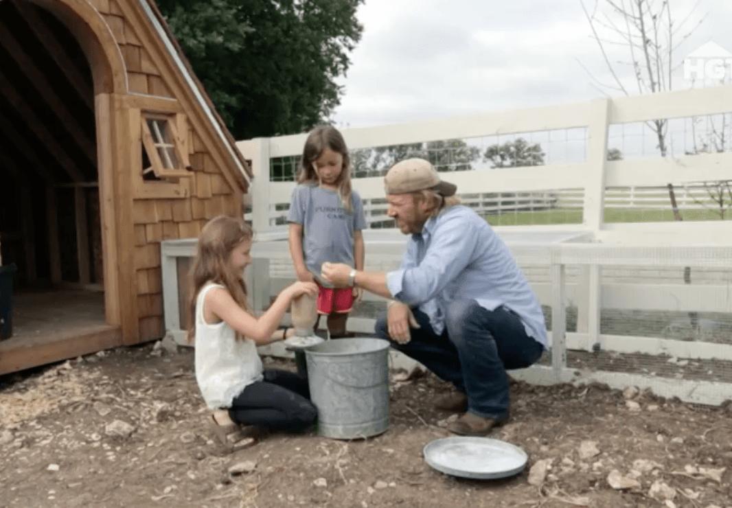 Chip Emmie and Ella Gaines chicken feed