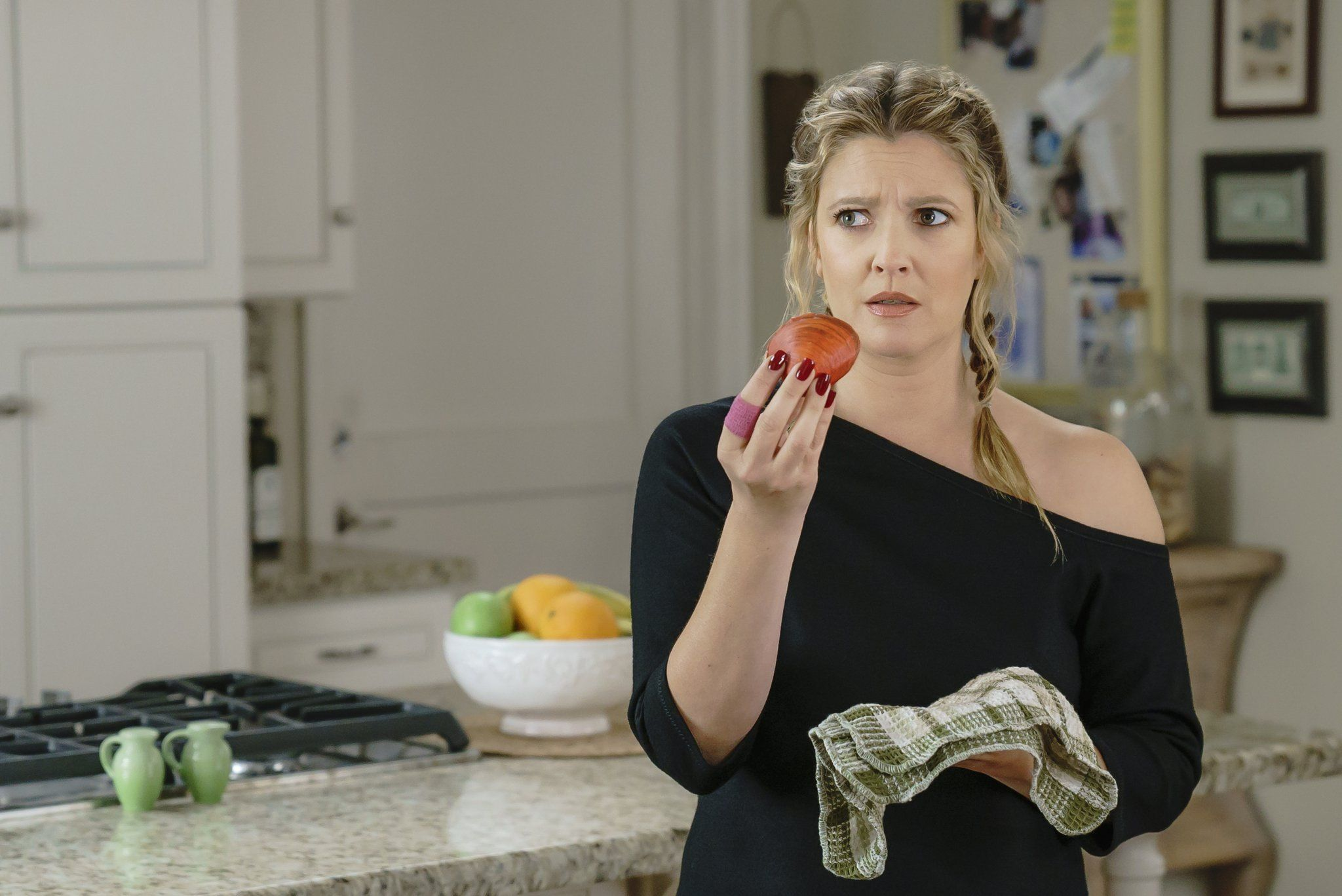 Drew Barrymore santa clarita diet looking at fruit