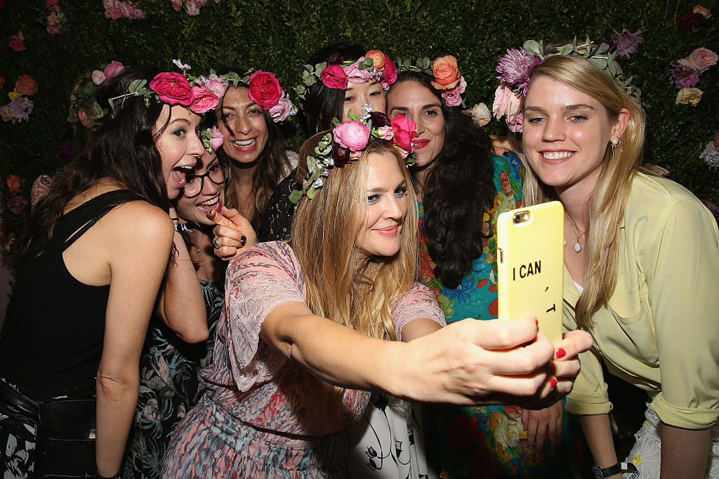 Drew Barrymore with fans at beautycon