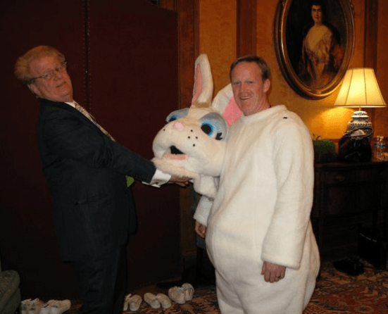 Sean Spicer's humble beginnings as the White House Easter Bunny