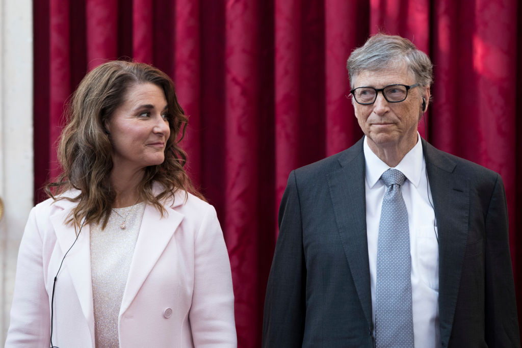 Microsoft co-founder Bill (R) and Melinda Gates pose before receiving the Commander of the Legion of Honour title at the Elysee Palace in Paris