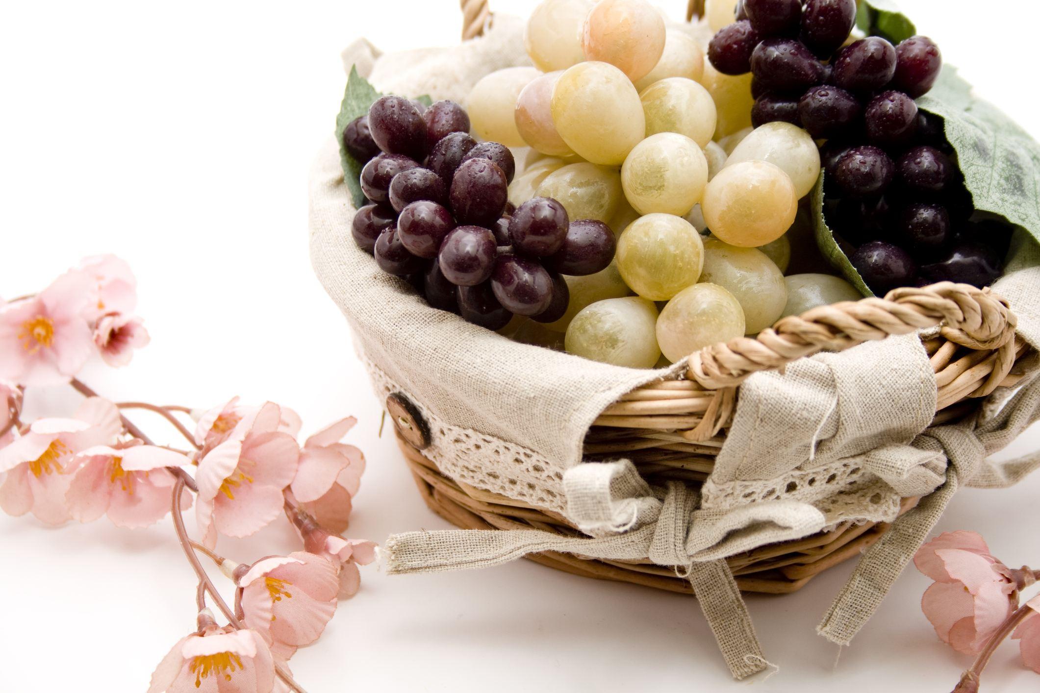 Fake grapes in bowl