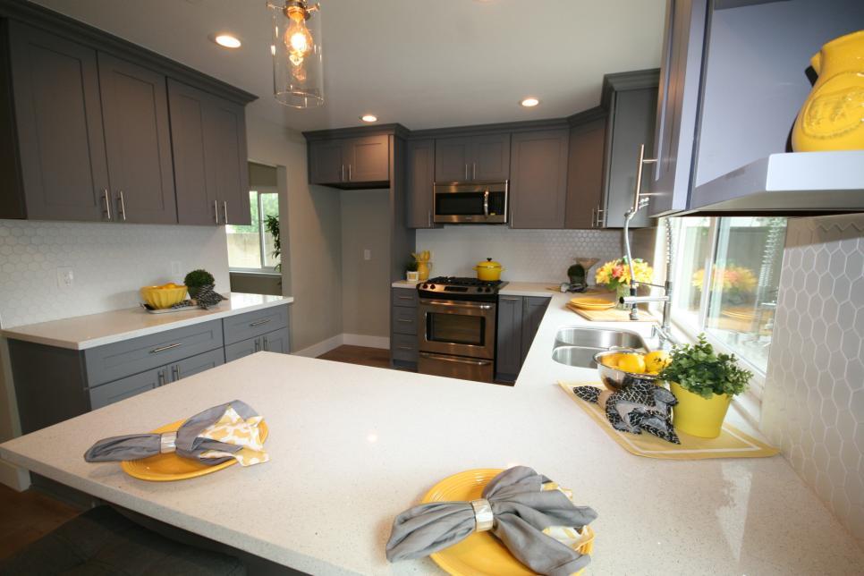 Flip or Flop kitchen microwave