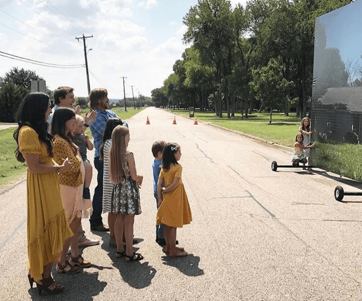 39 fixer upper 39 fans loved these cute moments joanna gaines shared with her kids on the show. Black Bedroom Furniture Sets. Home Design Ideas