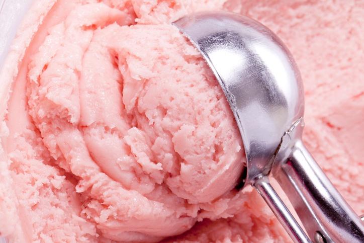 strawberry ice cream and scooper