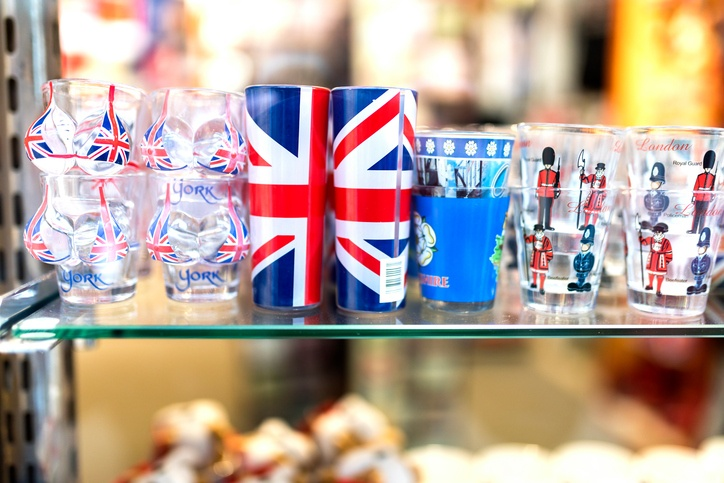 London souvenir shop shot glasses