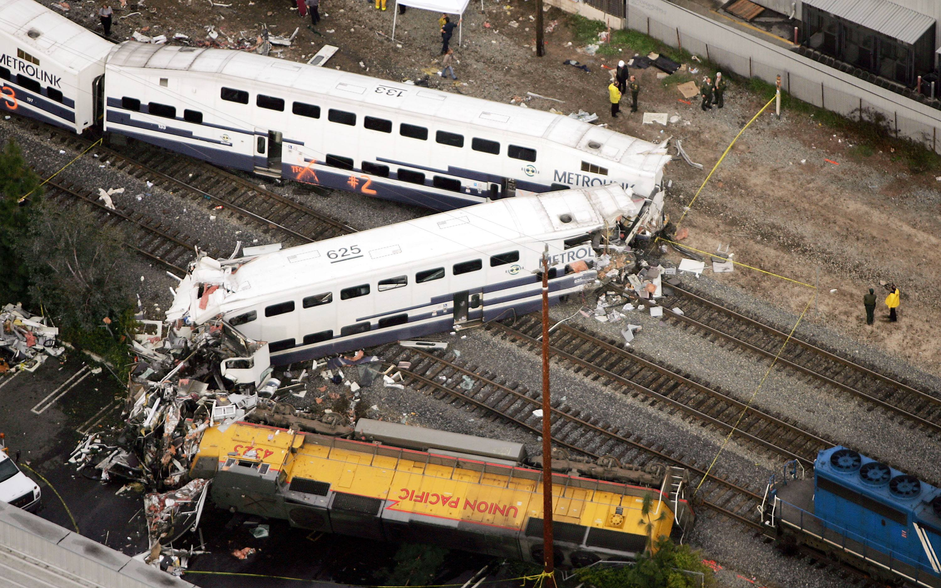 Train Derailment Glendale California Kills At Least Ten