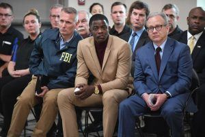 James Shaw Jr. Receives a Well-Deserved Gift from Chadwick Boseman at the 2018 MTV Movie Awards