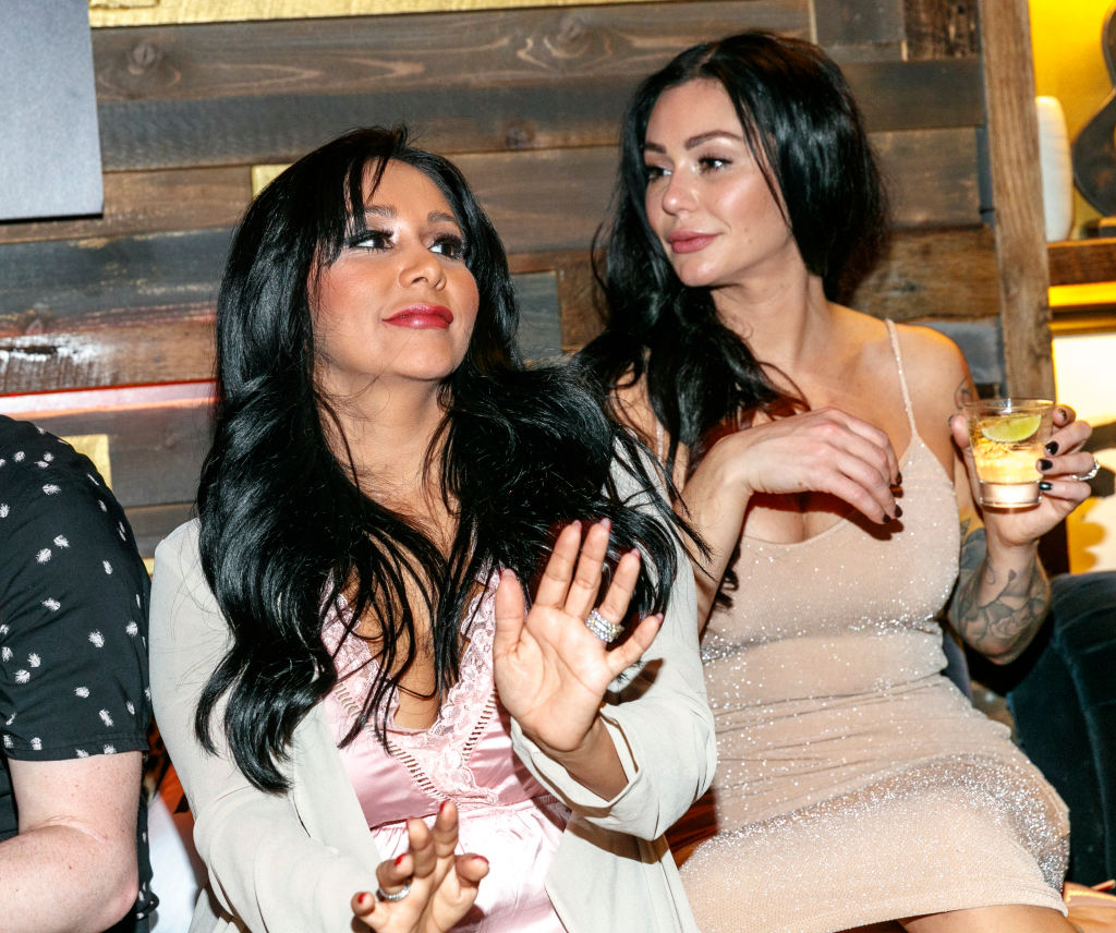"""Nicole 'Snooki' Polizzi and Jenni 'JWoww' Farley attend the """"Jersey Shore Family Vacation"""" Premiere Party"""