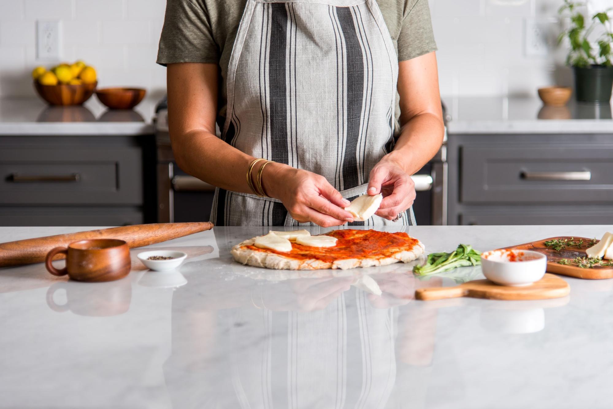 Joanna Gaines making pizza