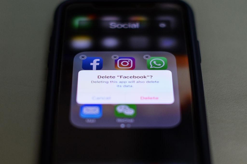 Facebook, Instagram, Twitter Apps