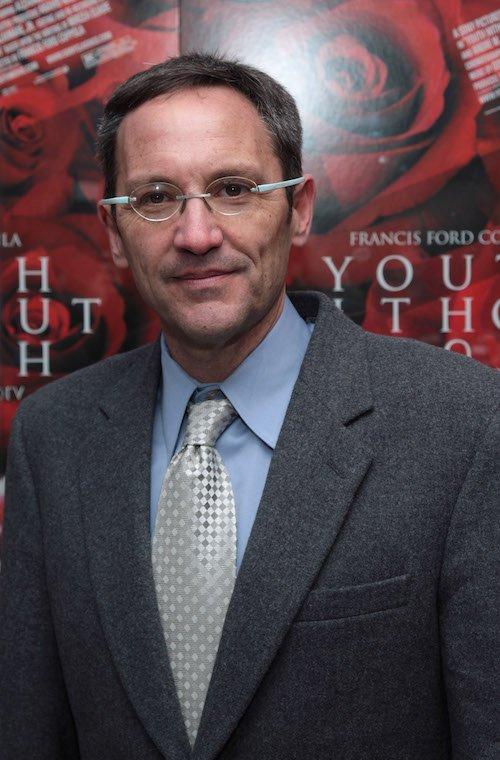 Composer Osvaldo Golijov posing for a photo.