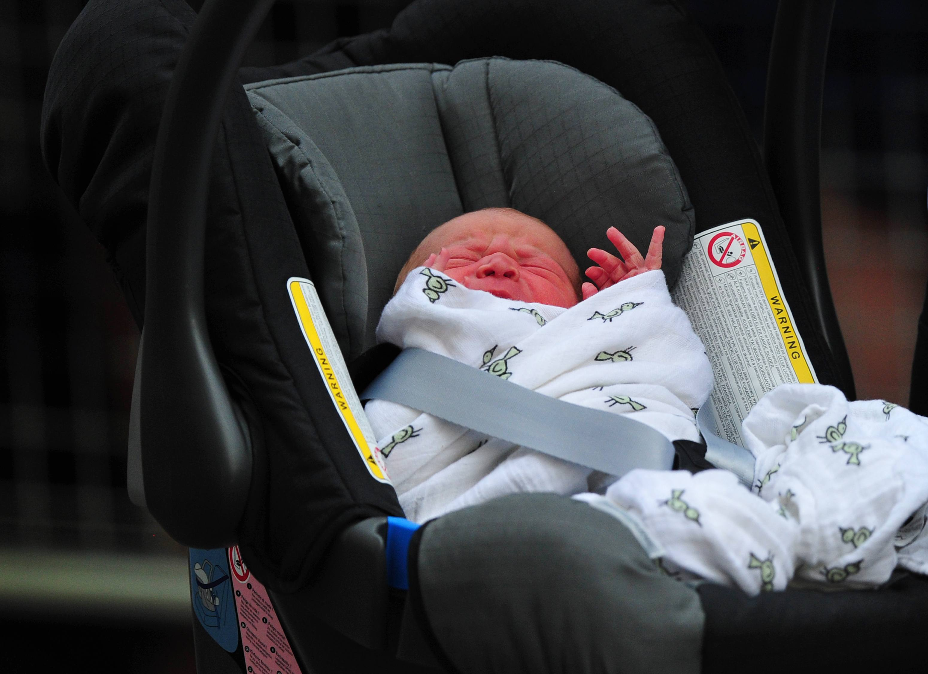Prince George in carseat