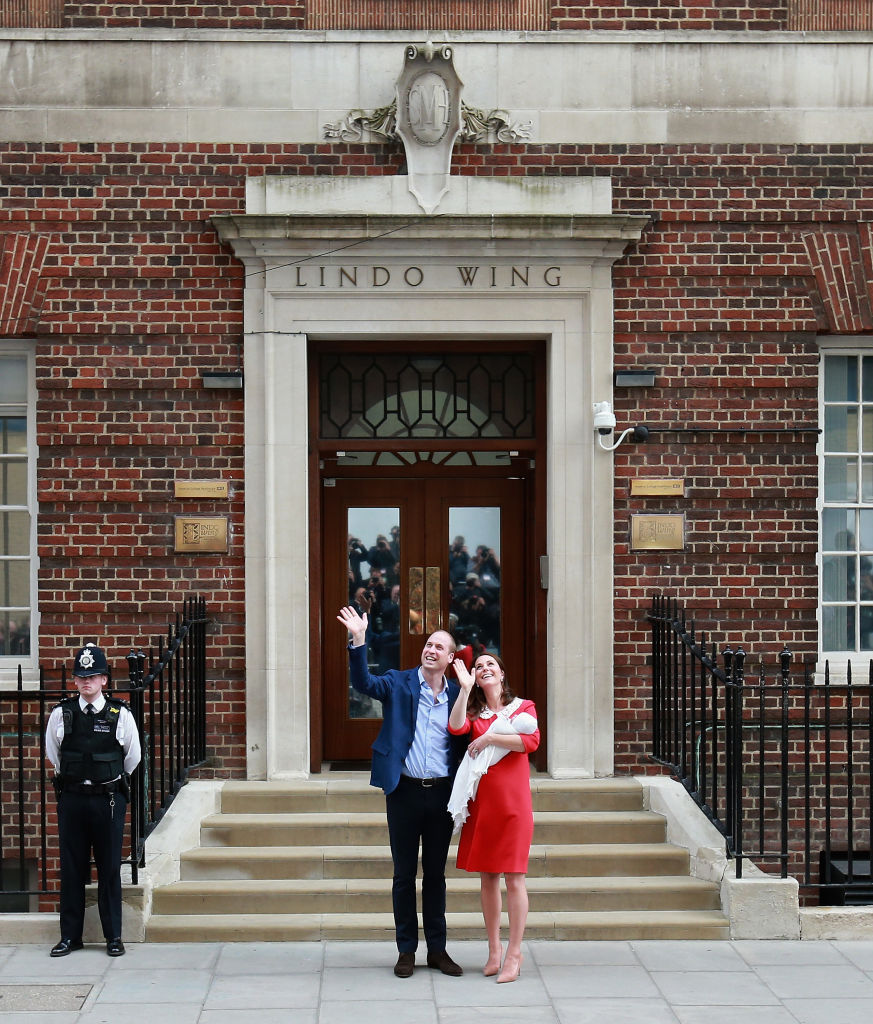Prince William, Duke of Cambridge and Catherine, Duchess of Cambridge depart the Lindo Wing with their newborn son at St Mary's Hospital on April 23, 2018 in London, England.