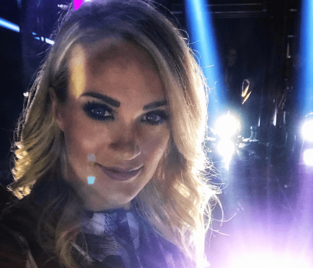 Carrie underwood selfie