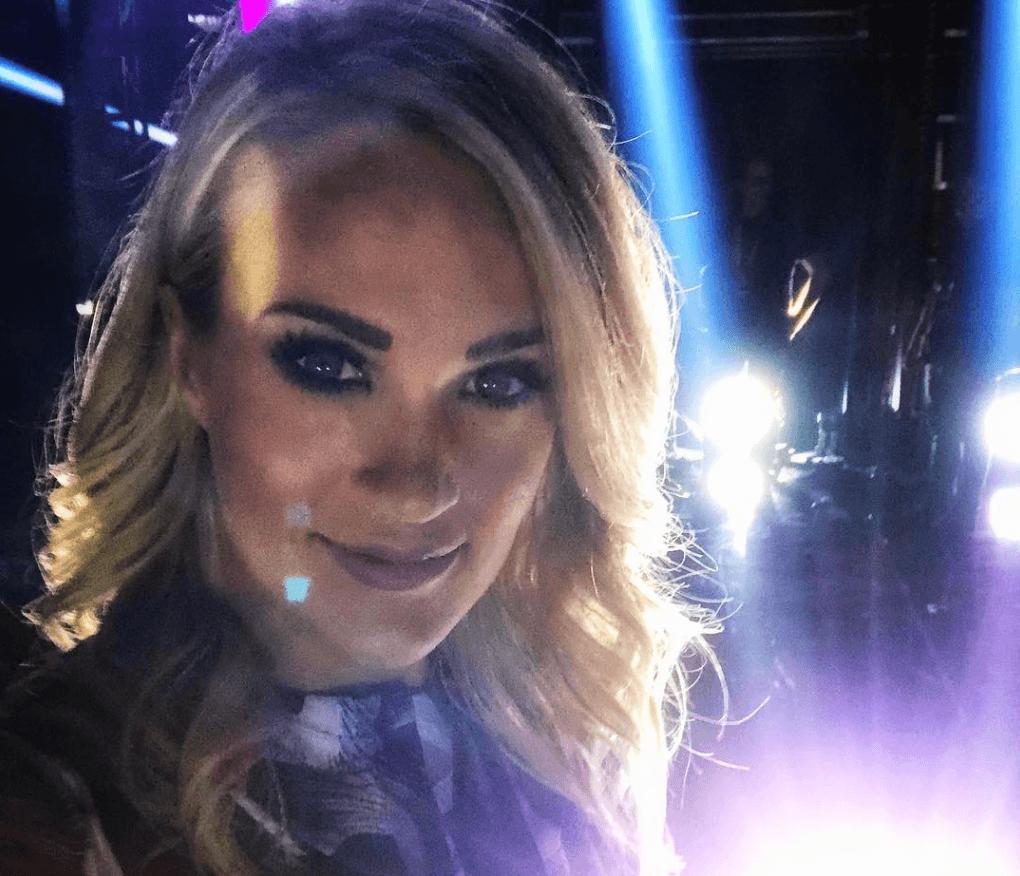 Carrie underwood selfie