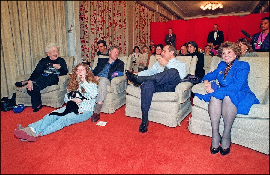 US President Bill Clinton (4th-l) in file picture taken 31 January 1993 at the White House, Washington, DC., chats with New York Governor Mario Cuomo (2nd-r) as Texas Governor Ann Richards (l) and Clinton's daughter Chelsea