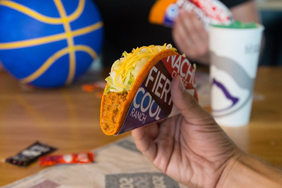 Mcdonald 39 s mcrib and 14 other iconic fast food items that for Taco bell fish tacos