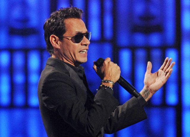 Marc Anthony performs at the 14th annual Latin Grammy Awards