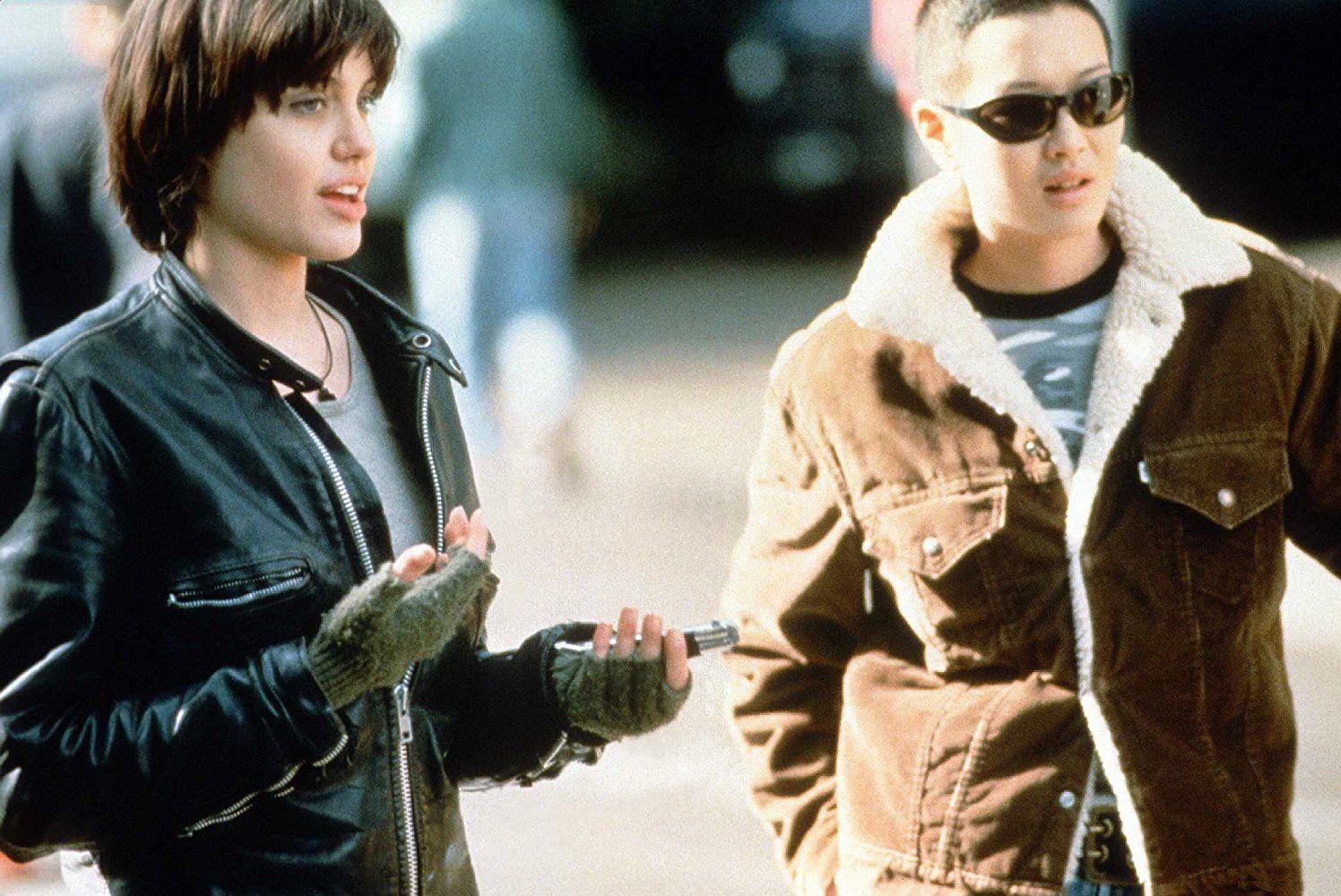 Angelina Jolie and Jenny Shimizu in Foxfire