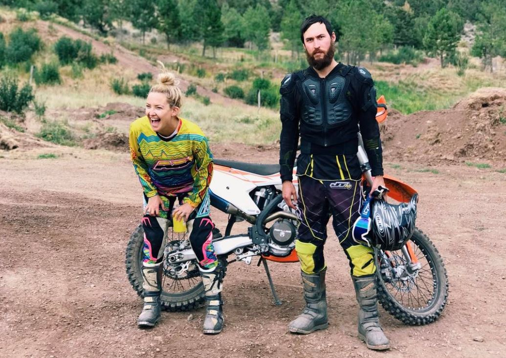 Kate Hudson and Danny Fujikawa with dirt bikes