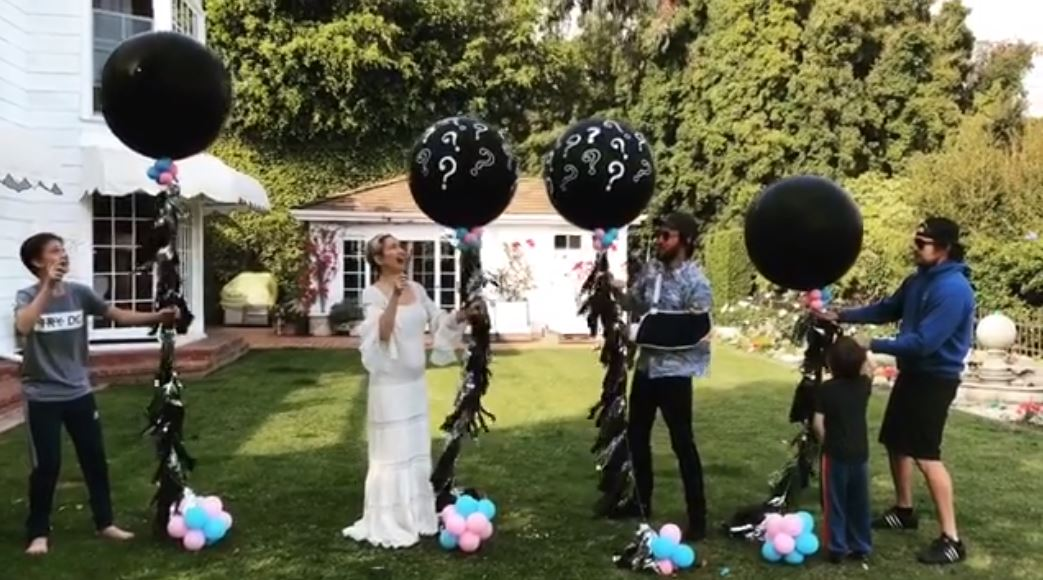 Kate Hudson gender reveal video