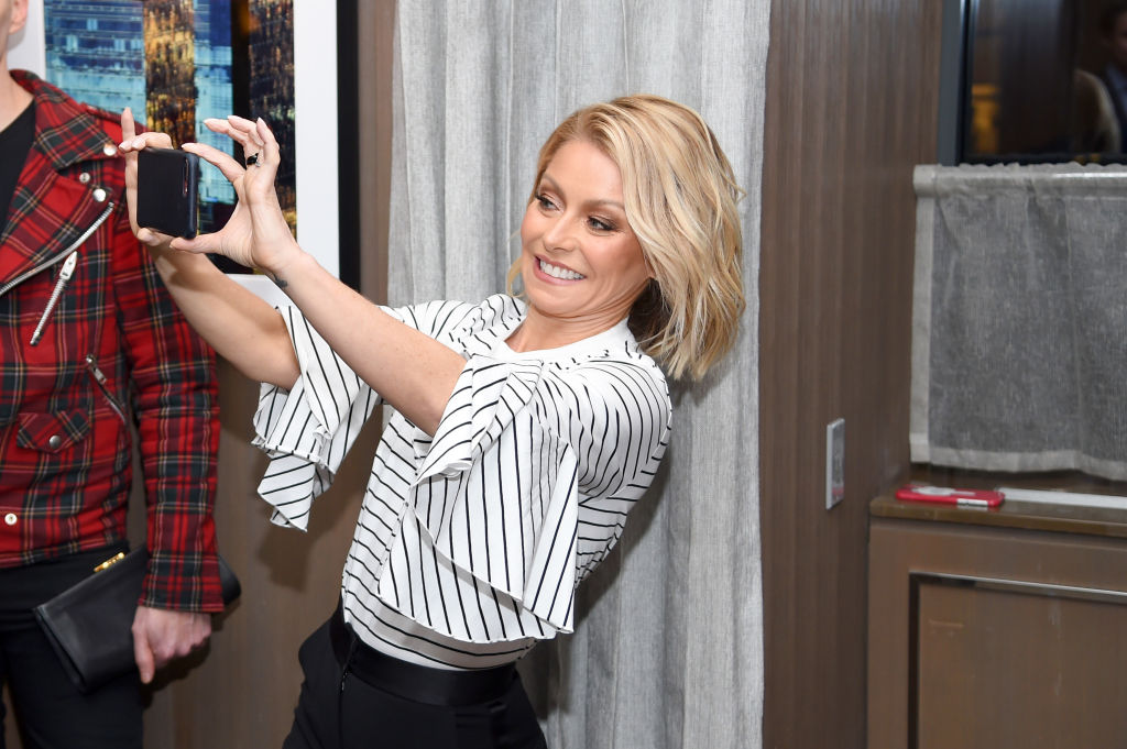 """Kelly Ripa attends the """"Two Turns From Zero"""" Book Launch Event at The Regency Bar and Grill on March 8, 2017 in New York City."""