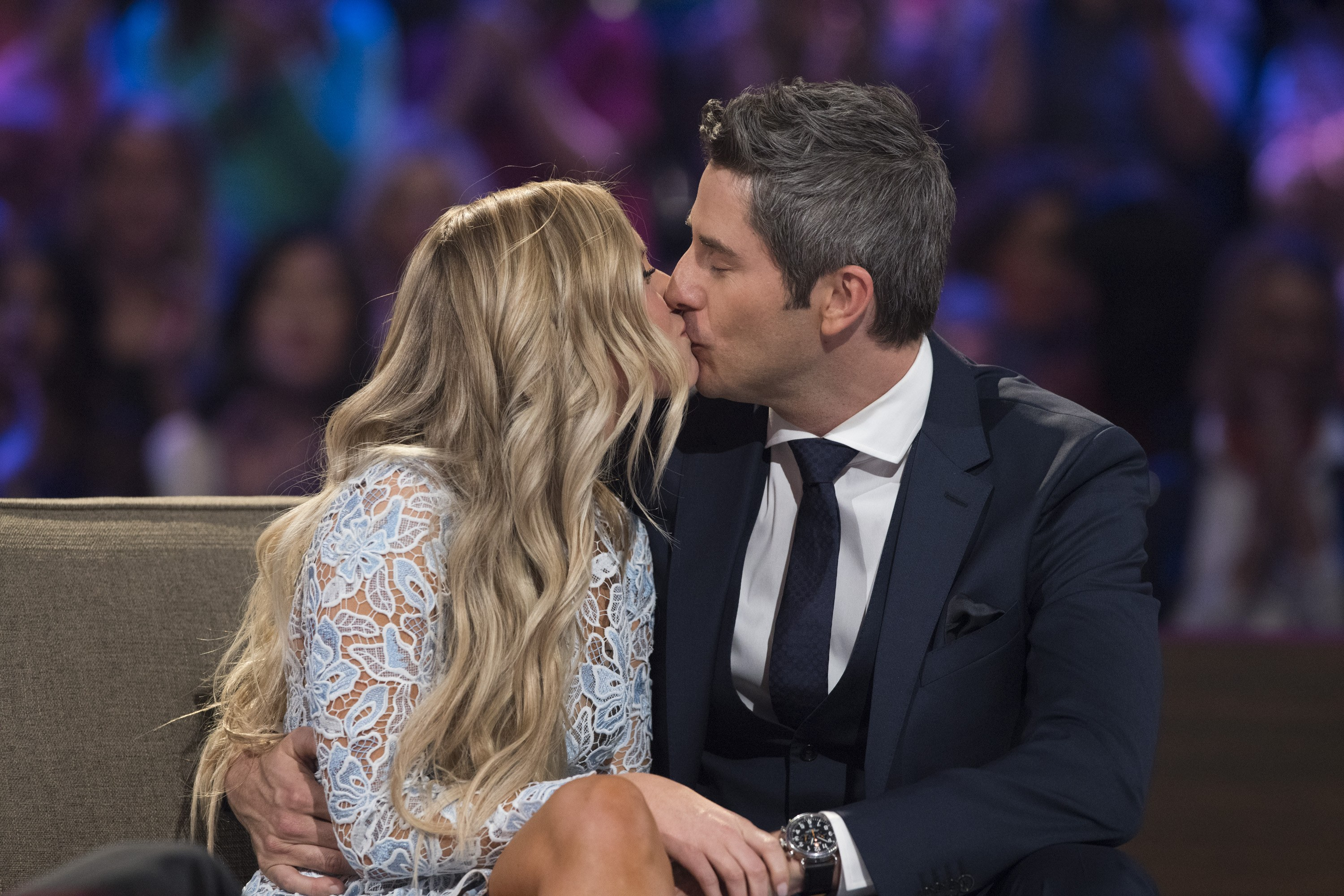Arie and Lauren kiss on TV