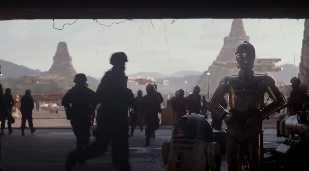 R2-D2 and C-3PO in Rogue One: A Star Wars Story