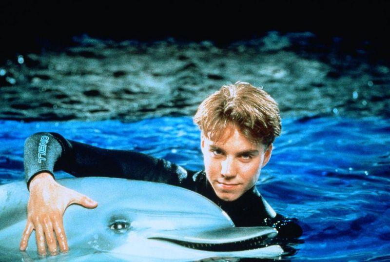 Jonathan Brandis in SeaQuest 2032