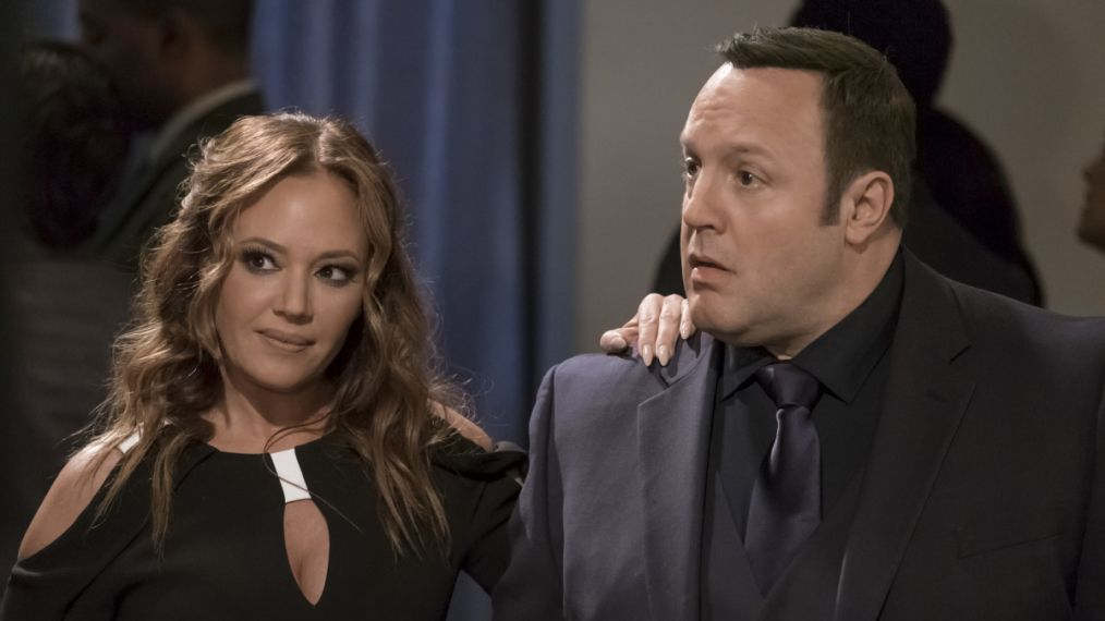 Leah Remini and Kevin James in Kevin Can wait