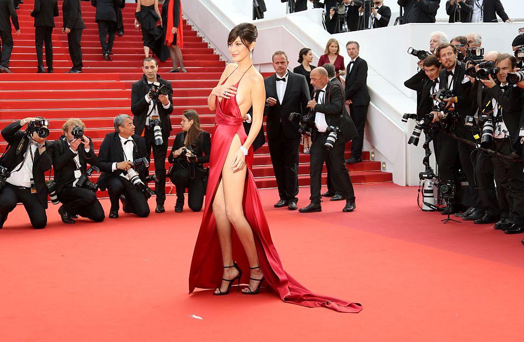 Bella Hadid wardrobe malfunction